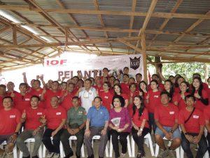 Foto Bersama Anggota Pengurus IOF
