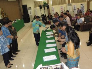 Pejabat Eselon II dan III Mendatangani Pakta Integritas