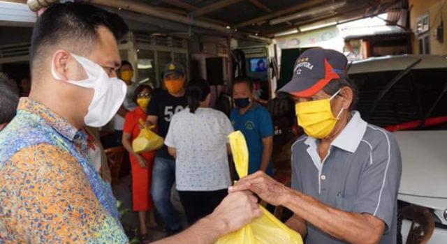 james arthur kojongian berikan bantuan reses di masyarakat